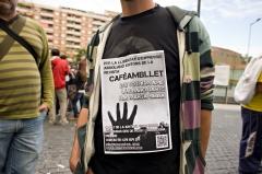 Cartell en suport als editors de la revista Cafè amb Llet d'abans del judici.