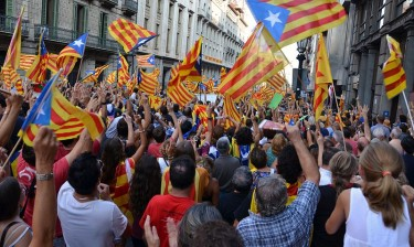 Pro-independence rally on Via Laietana (Barcelona) on September 11, 2012. By Lohen11 on Wikimedia Commons (CC BY-SA 3.0)